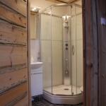 Iso Luostakka - makuuhuoneen kylpyhuone